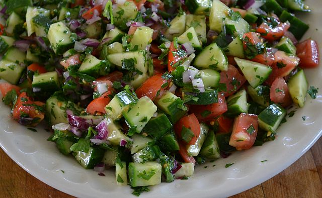 Fattoush Salad #SundaySupper | From the Bookshelf